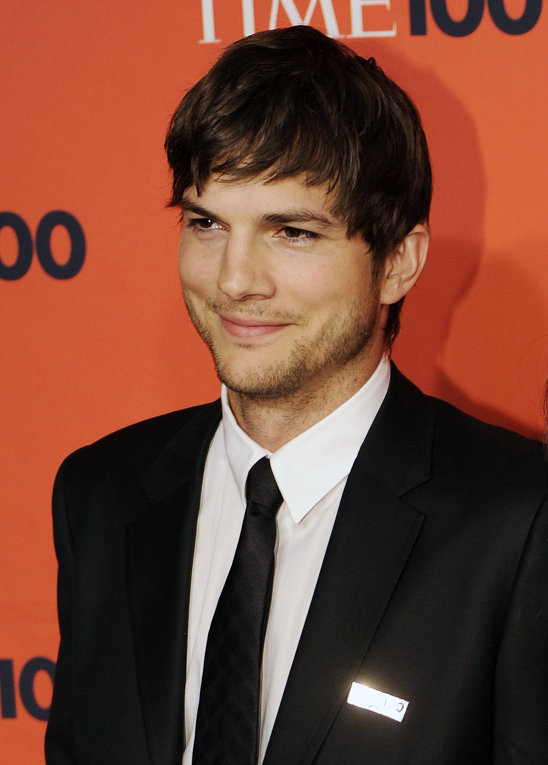 How Rich is Ashton Kutcher - The YouTube Guy | Rich Income ... Ashton Kutcher